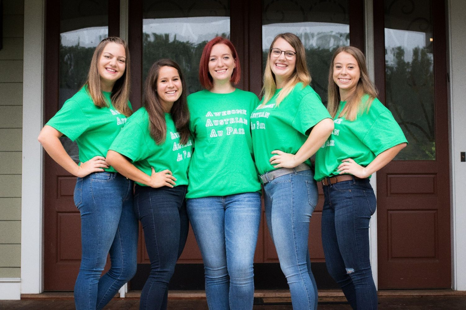 5 Austrian Au Pairs Reunite with Host Family